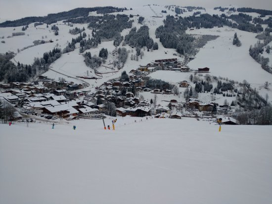 Hotel Almrausch : View from T-bar slope above hotel