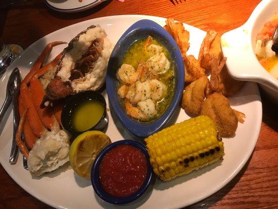 Iselin, NJ: Os gostos estavam ótimos, porém alguns mariscos não abriram e deixamos de comer com receio de nã