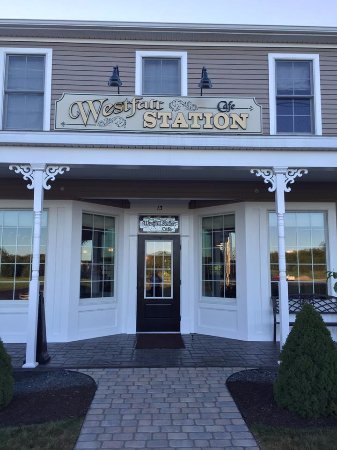 Averill Park, NY: Westfall Station Cafe Front Entrance