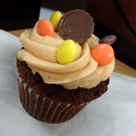 North Bay, Canada: Peanut Butter Cupcake