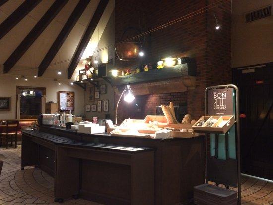 Saint-Dizier, Frankrike: Salle petit déjeuner au Courtepaille