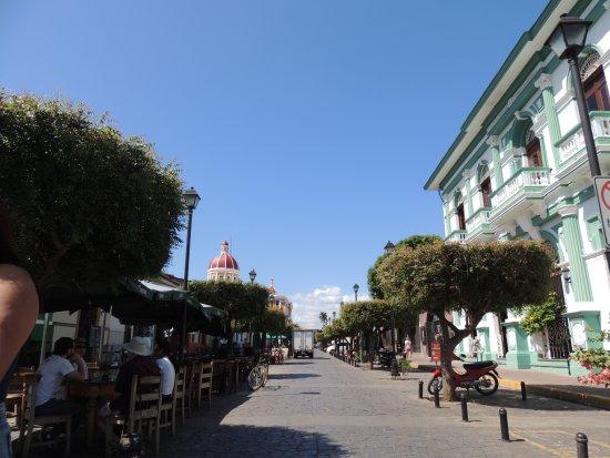 Γρανάδα, Νικαράγουα: calle la calzada