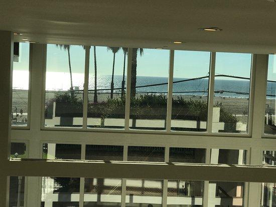 Loews Santa Monica Beach Hotel: photo1.jpg