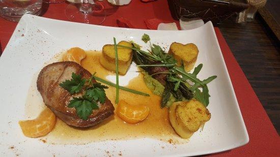 Lingolsheim, Francja: Soirée ST VALENTIN. .. 1 menu secial.... Tres bon menu présentation excellente. ... Serveuse tou