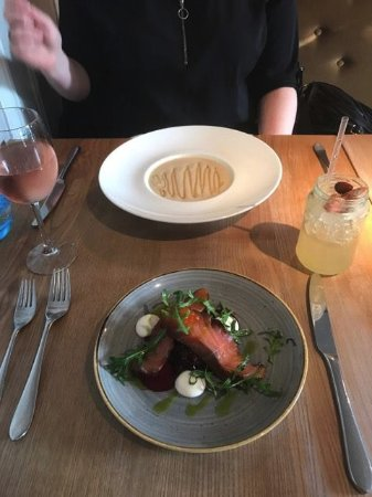 West Malling, UK: Starters : Parsnip soup and Smoked Salmon with horseradish and beetroots