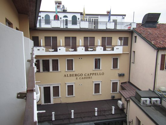facciata albergo - Foto di Albergo Cappello e Cadore b286777fceea