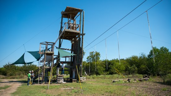 Roanoke, Teksas: Our first zip line tower