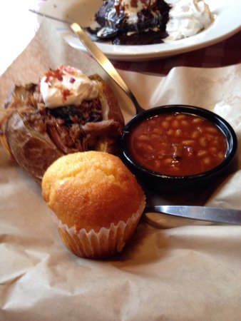 Famous Dave's Barbeque: photo1.jpg