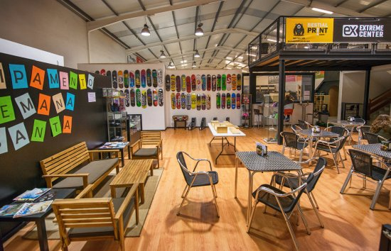 San Bartolome, Spain: Bar & Shop