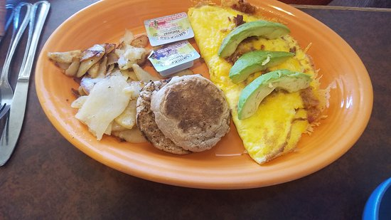 Blue Sky Cafe: Bacon-cheese omelette