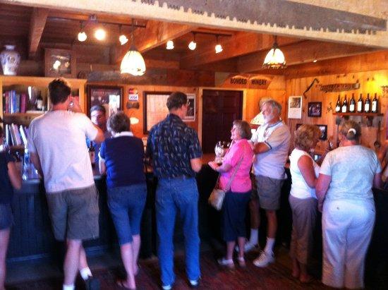 Roseburg, Oregon: Hillcrest Tasting Room