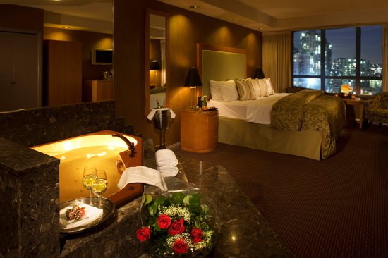 Executive Plaza Hotel Coquitlam Photo