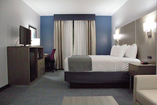 Days Inn & Suites Houston NW Cypress