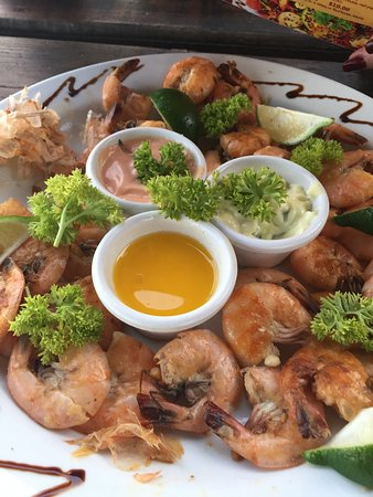 Carenero Island, Panama: Grilled Schrimps with garlic, lemon and oil.