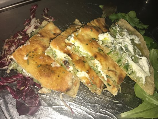 Osteria Pizzeria Margherita: Burrata puntarelle e crema d alici