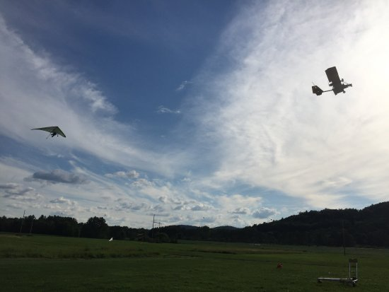 Charlestown, NH: Aero-Towing a hang glider