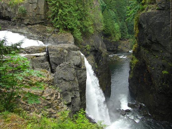 Campbell River, Canadá: waterfall