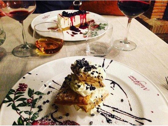 Pianello, Italië: Uno più buono dell' altro 😃