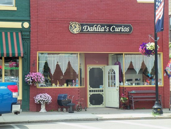Penn Yan, NY: Dahlia's Curios