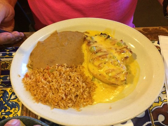 Pasadena, TX: Great food, great portions, great prices and outstanding service!
