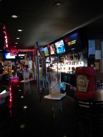 Lambertville, MI: Sidelines Sports Eatery & Pub