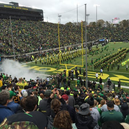 Eugene, OR: Game day at Autzen Stadium