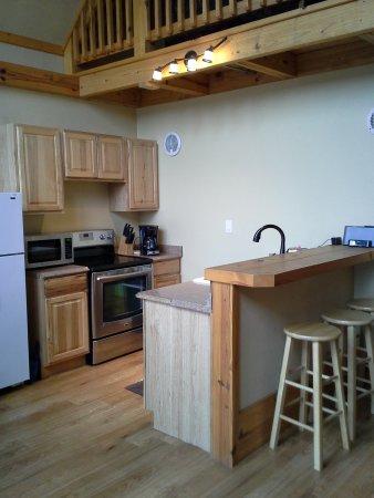 Seguin, Teksas: Kitchen area in Laughing Water.