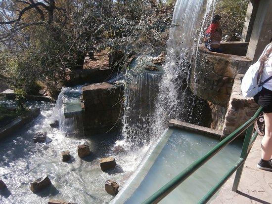 salta tram teleferico cascadas artificiales en el parque del cerro san bernardo - Cascadas Artificiales