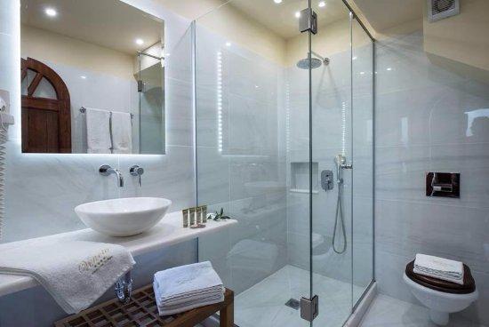 Veneto Boutique Hotel: Nice big bathroom