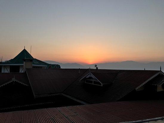 Mayfair Darjeeling: Beautiful sunset views. Every. Single. Day.