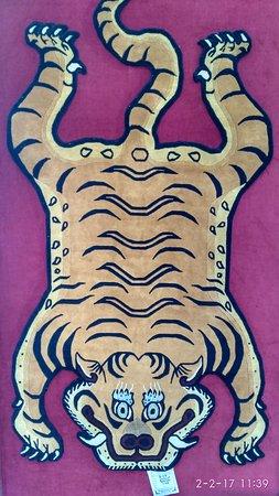 Tashiling Handicraft Centre : My favorite piece of rug