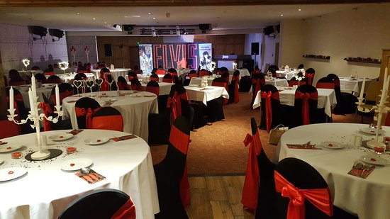 Alfreton, UK: Elvis Tribute for pre-Valentine's Dinner