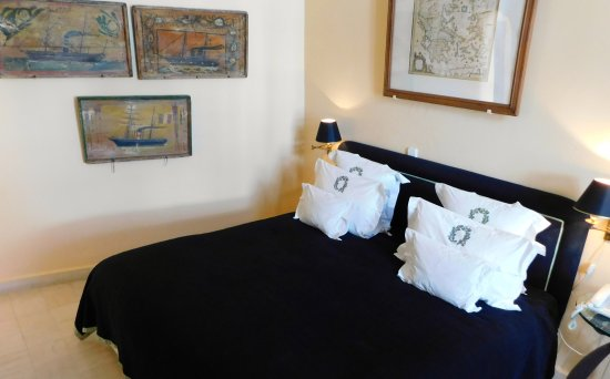The Tsitouras Collection Hotel: The Nautical Themed Room