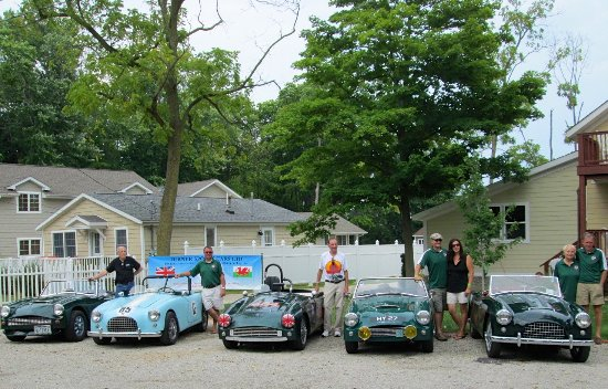 Vintage car races hosted at Ahoy Inn