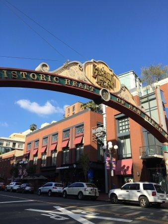 ラマダ ガスランプ コンベンション センター - ザ ヒストリック セント ジェームス ホテル Picture
