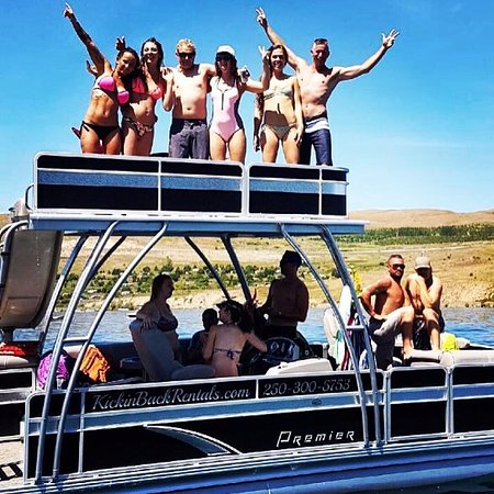 Lake Country, Καναδάς: These fine folks are having an awesome time!