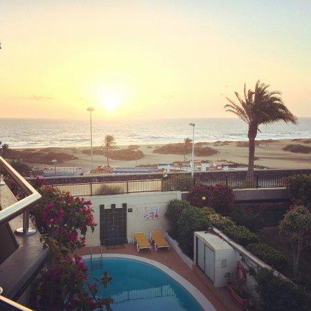 Don Palomon: Sunrise in Playa Del Ingles