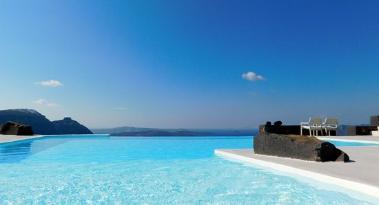 Aenaon Villas: What an infinity pool!