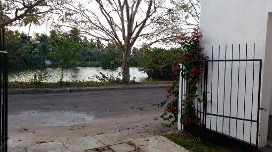 Holiday Bungalow Lake City Ja-Ela, Sri Lanka