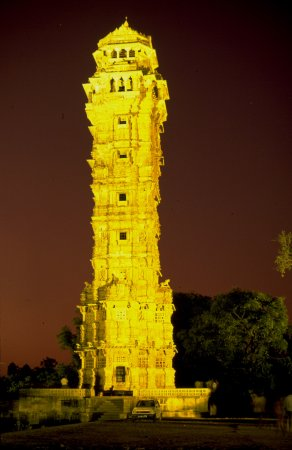 Rajasthan, Inde : Evening shot of the Chittorgarh Victory Tower