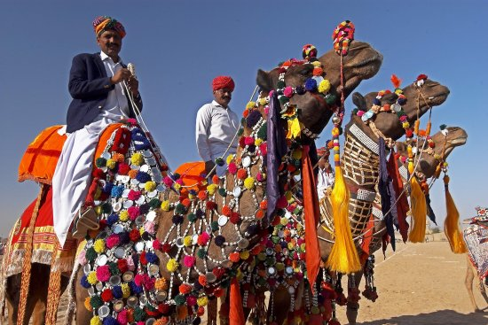 Rajasthan, India: Traditionally dressed men at Desert Fair in Jaisalmer