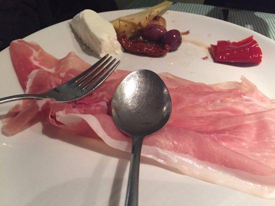 San Daniele del Friuli, Italy: Prosciutto di San Daniele con sottoli e mozzarella di bufala