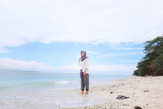 Gili Islands, Indonesia: Sands and waves ❤️️