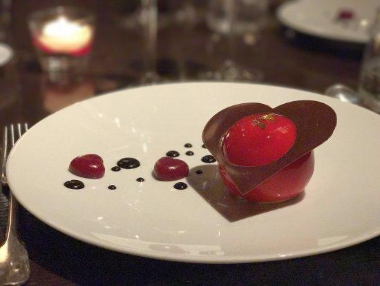 Woods at The InterContinental Hotel: Dessert of Valentines Dinner