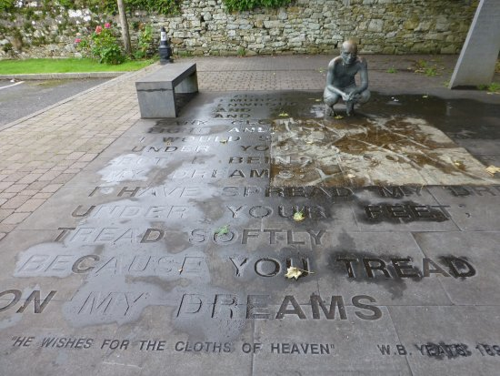 Drumcliff, Irlandia: Memorial for Yeats