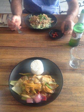 Glenelg, Australië: Lunch Specials: Goat stir fry, and lemongrass chicken.