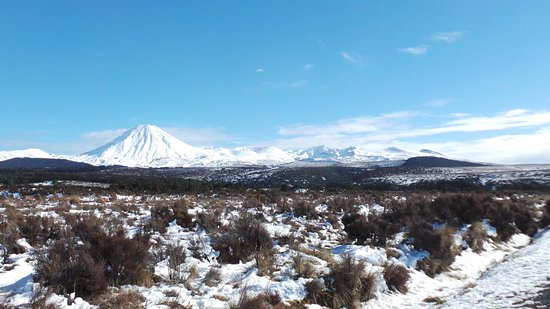 Prince Motor Lodge: Surrounding Mountain Ranges - Mt Tongariro - on the way to Taupo from Wellington