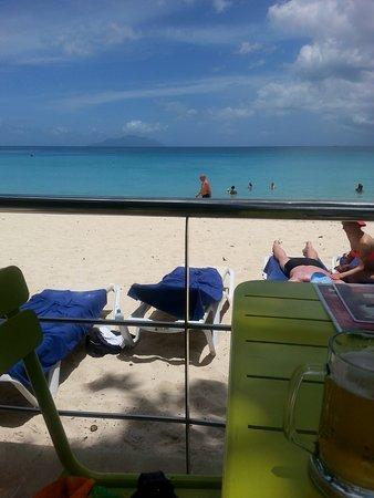 Coral Strand Smart Choice Hotel Seychelles Photo
