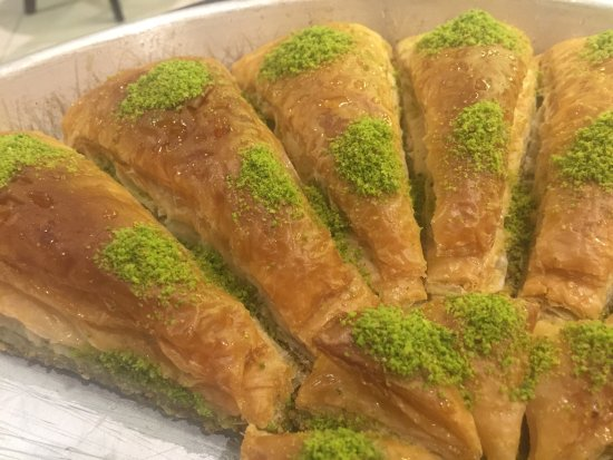 Al Muharraq, Bahrain: Sultan Pasha Sweets & Cafe