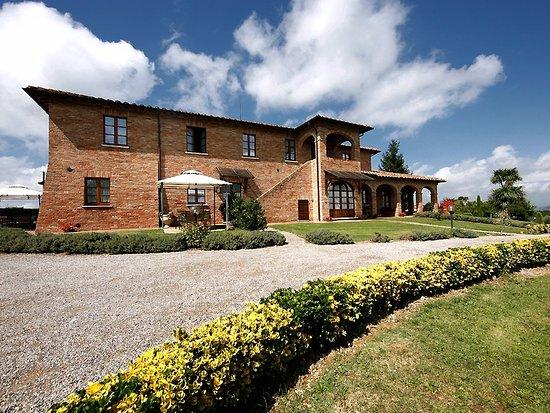 Agriturismo Sanguineto Montepulciano Hotel: Esterno del nostro casale